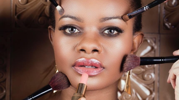 What is the best make-up look for black skins thissummer?